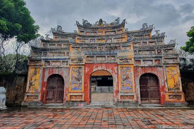 The gate to Hien Lam Pavilion