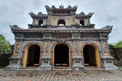 The Chuong Duc Gate