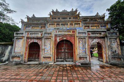 Das Tor zur Dien Tho Residenz