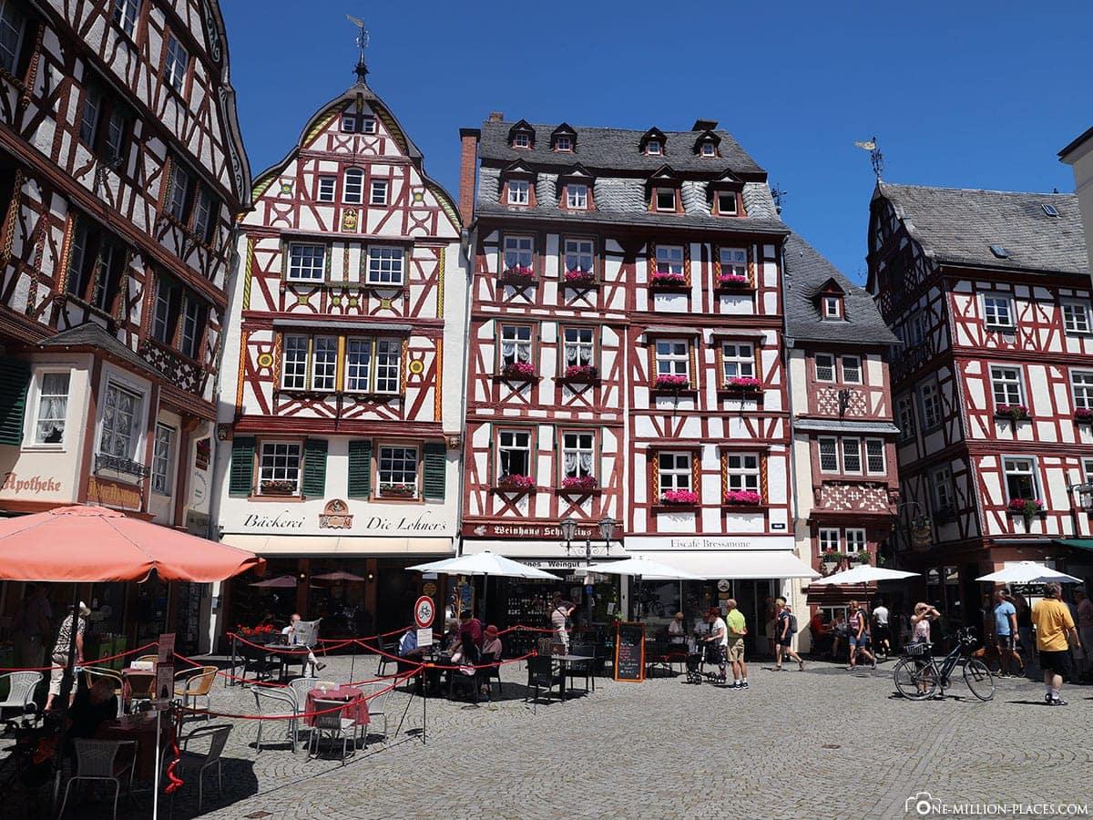 Bernkastel-Kues, Marketplace, Sights, Fotospot, On Your Own, Moselle, Rhineland-Palatinate, Germany, Travelreport