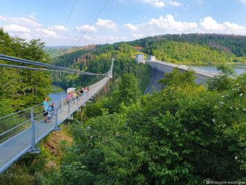Hängeseilbrücke & Staumauer