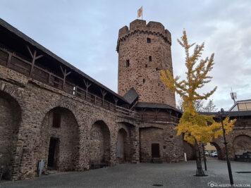 Hexenturm mit Stadtmauer Lahnstein