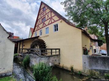 Mühle mit Wasserrad im Gerberviertel