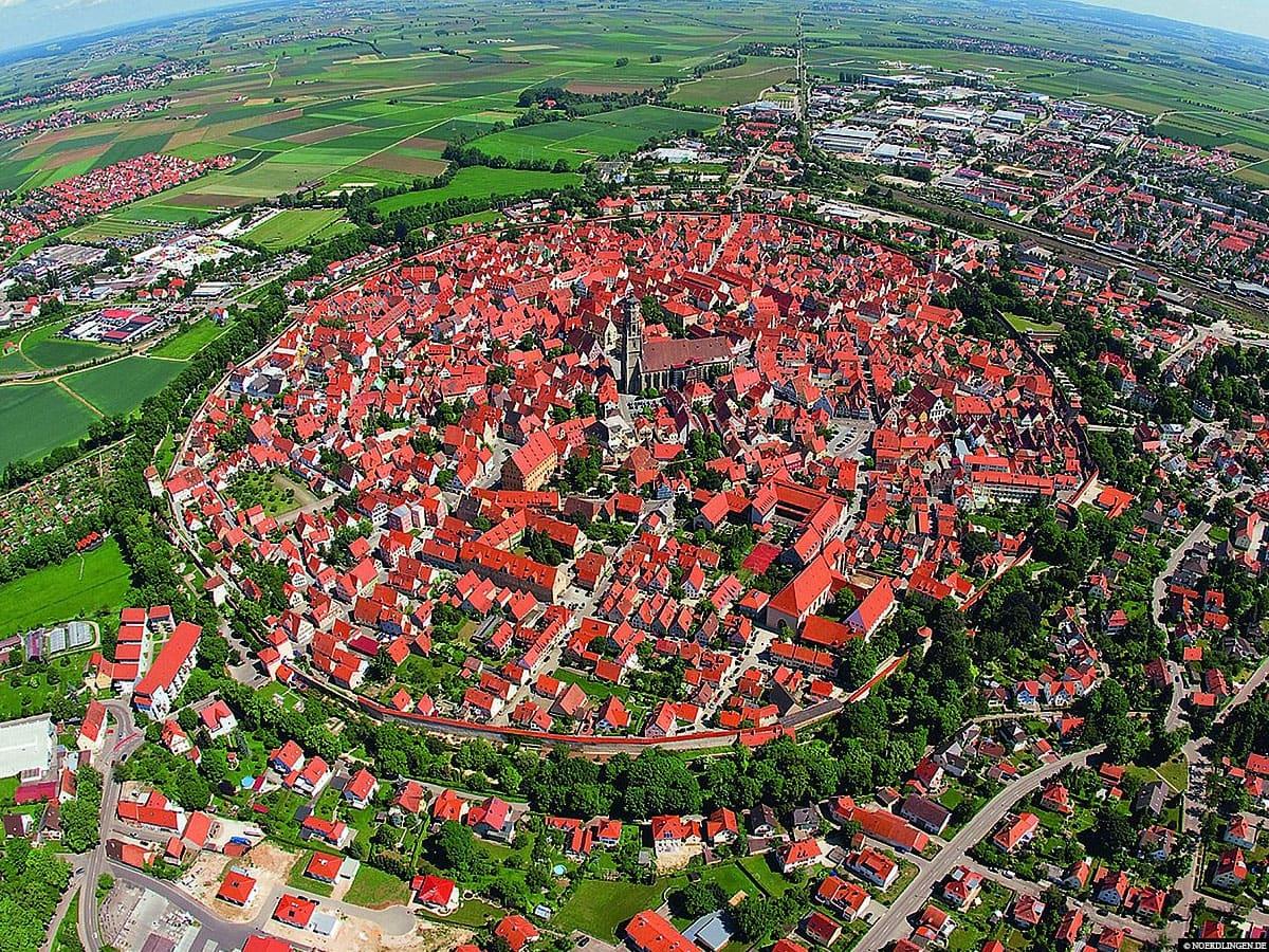 Nördlingen, Luftaufnahme, Runde Stadtmauer, Reisebericht, Deutschland, Blog