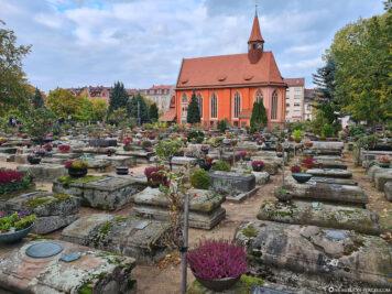 Friedhof & St.-Johannis-Kirche