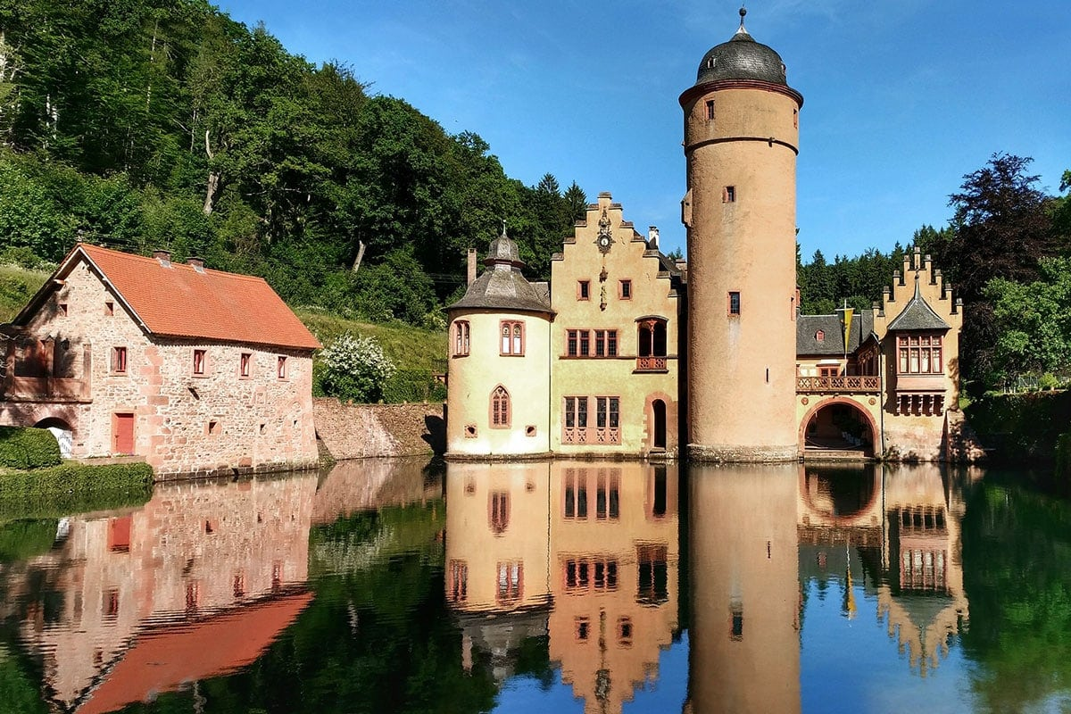 Schloss Mespelbrunn, Wasserschloss, Bayern, Spessart, Deutschland, Reisebericht