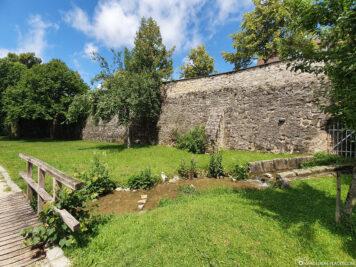 Stadtgraben & Stadtmauer