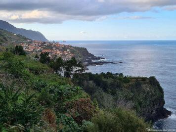 Blick auf die Nordküste und Seixal