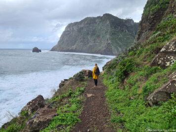 Spaziergang an der rauen Nordküste