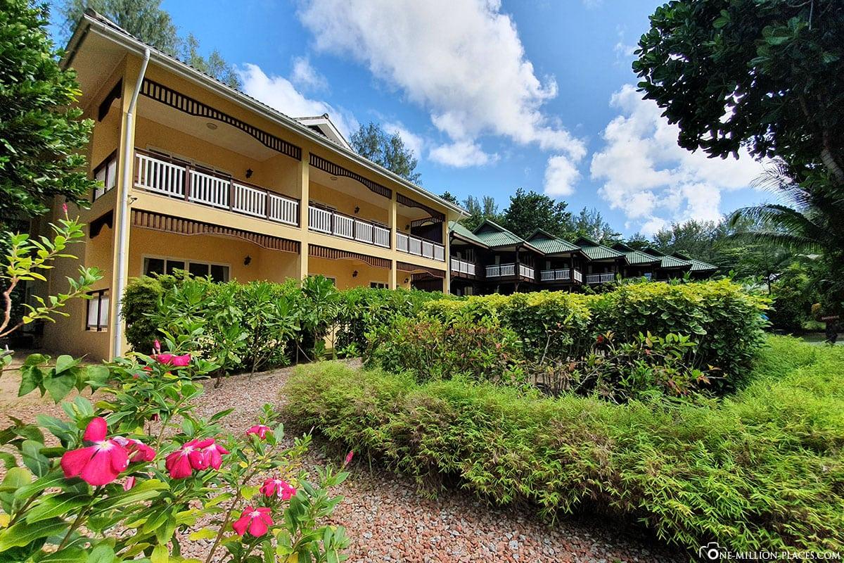 Gebäude, Acajou Beach Resort, Hotel Praslin, Seychellen, Erfahrungen, Reisebericht