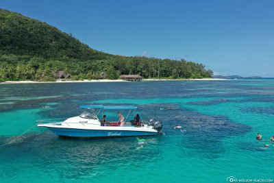 The snorkeling spot in front of Praslin