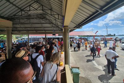 Das Ferry Terminal in Mahé