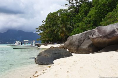 Granitfelsen am Strand