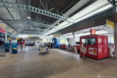 The reception hall at the airport in Mahé