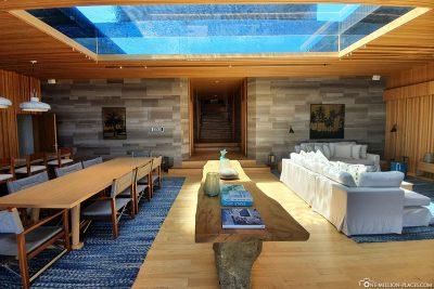 Der Pool über dem Wohnzimmer